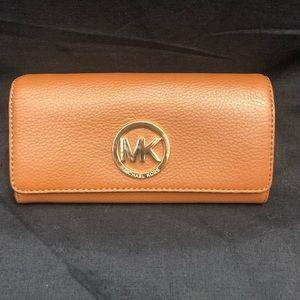 Michael Kors Fulton Carryall Wallet (Luggage)